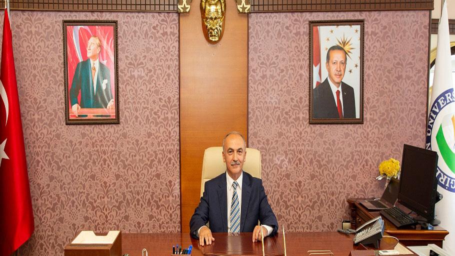 Giresun Üniversitesi Rektörü Yılmaz Can'ın Cumhuriyet Bayramı Mesajı