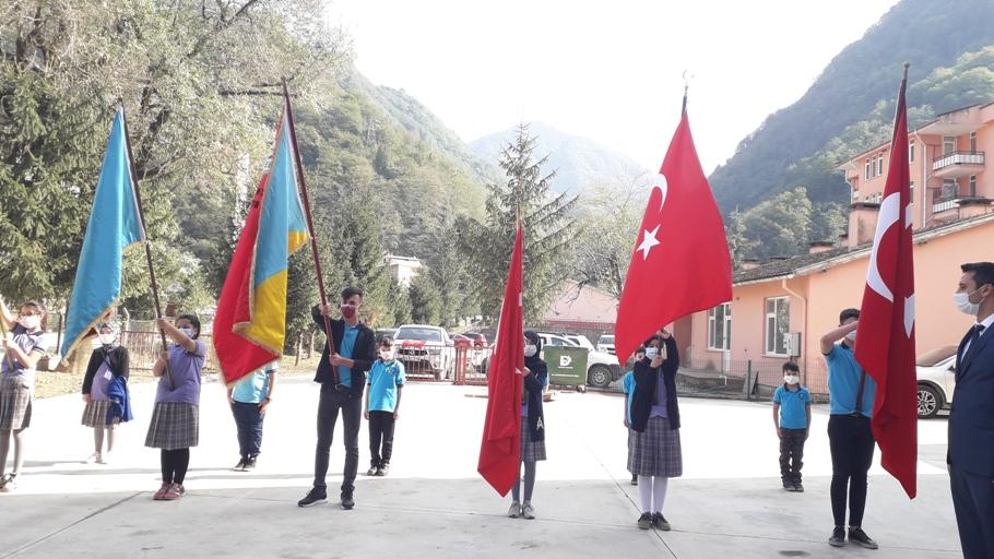Doğankent'te 29 Ekim Cumhuriyet Bayramı Çelenk Töreni Yapıldı