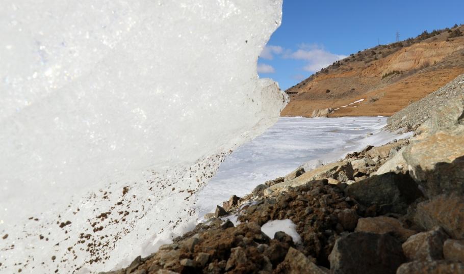 Soğuk hava, Baraj Gölünün Tamamını Dondurdu