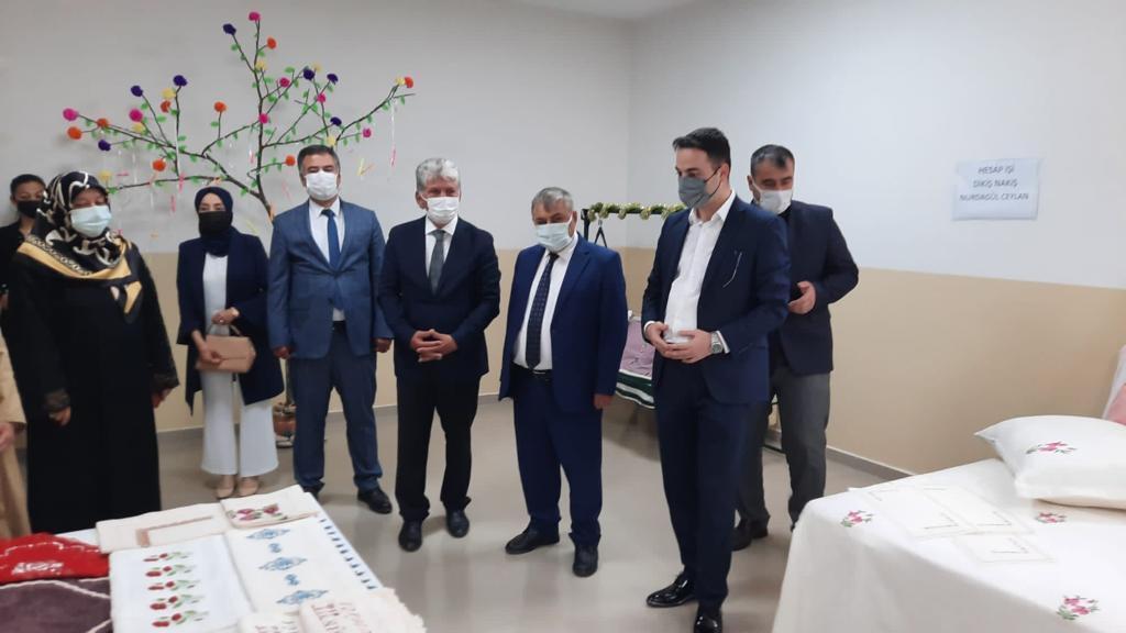 Başkan Şen Halk Eğitim Merkezi'nin yıl sonu segisi törenine katıldı