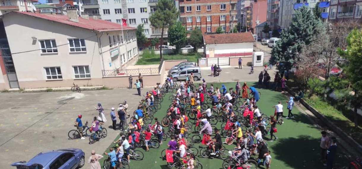 TÜGVA Bulancak'tan 220 bisikletli gençle ile tur
