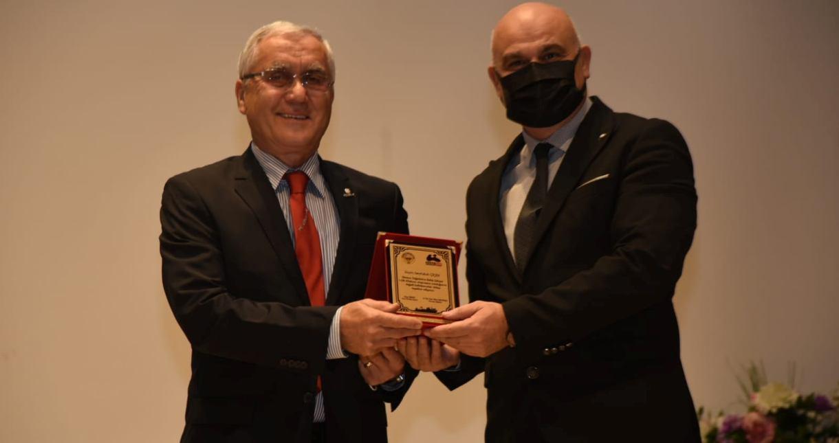 Yazar Seyfullah Çiçek'e Giresun Üniversitesi'nden Ödül